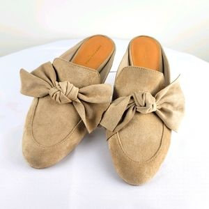 American Eagle Slip on Loafers Bow